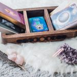 Tarot vs. Oracle // What's the Difference and How to Choose