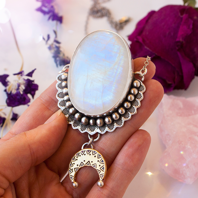 Pic2-magical-moonstone-rainbow-moonstone-meanings
