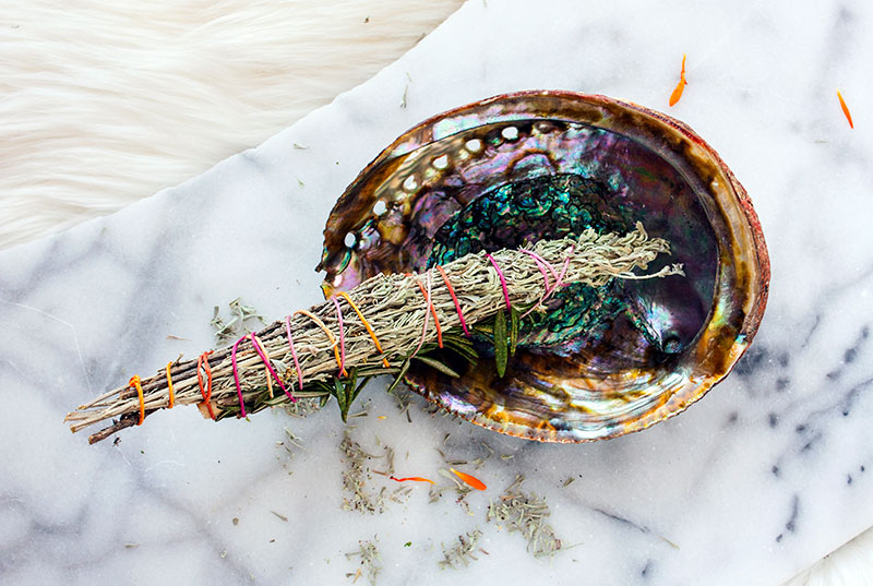 Pic9-diy-herb-stick-for-cleansing