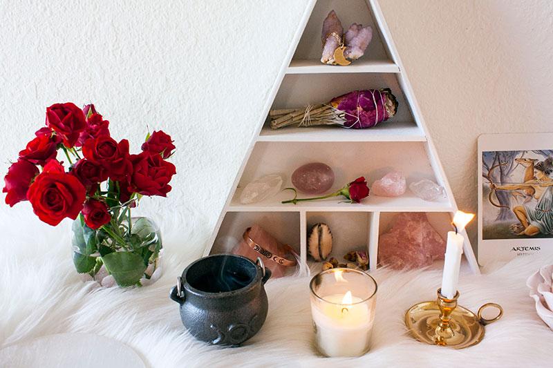Pic9-self-love-rituals-goddess-altar