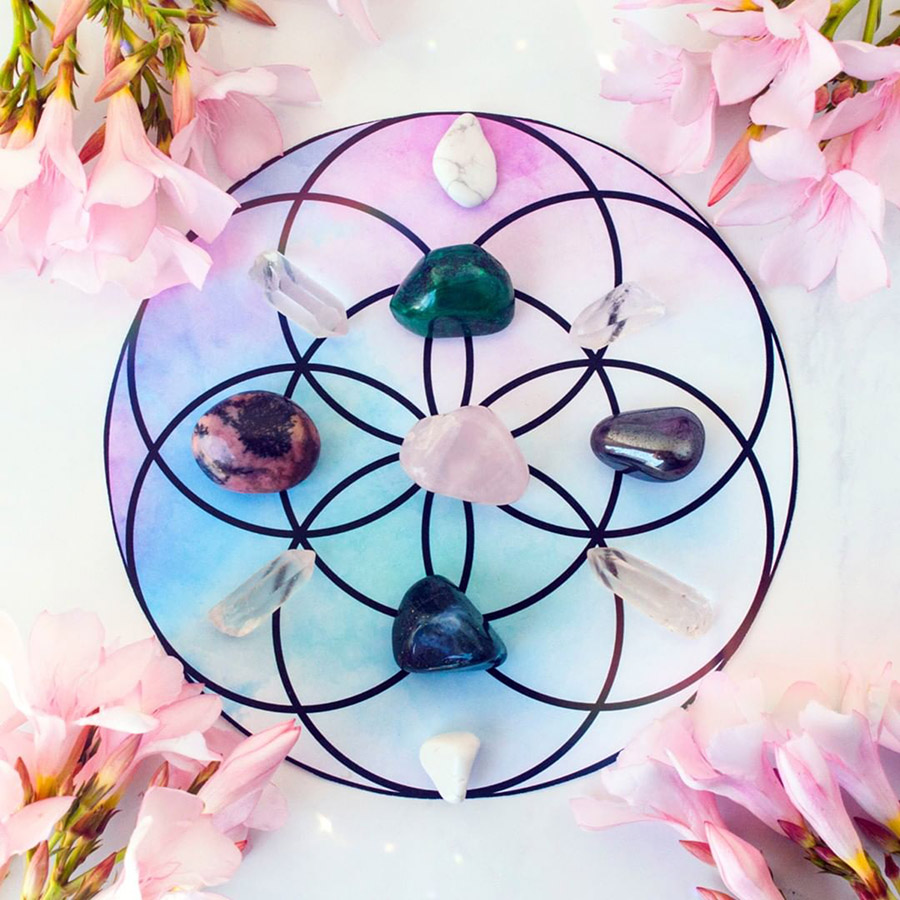 love crystal grid crystal grid for gratitude and acceptance
