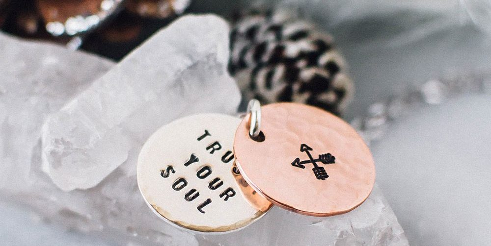 pic4-trust-your-soul-necklace