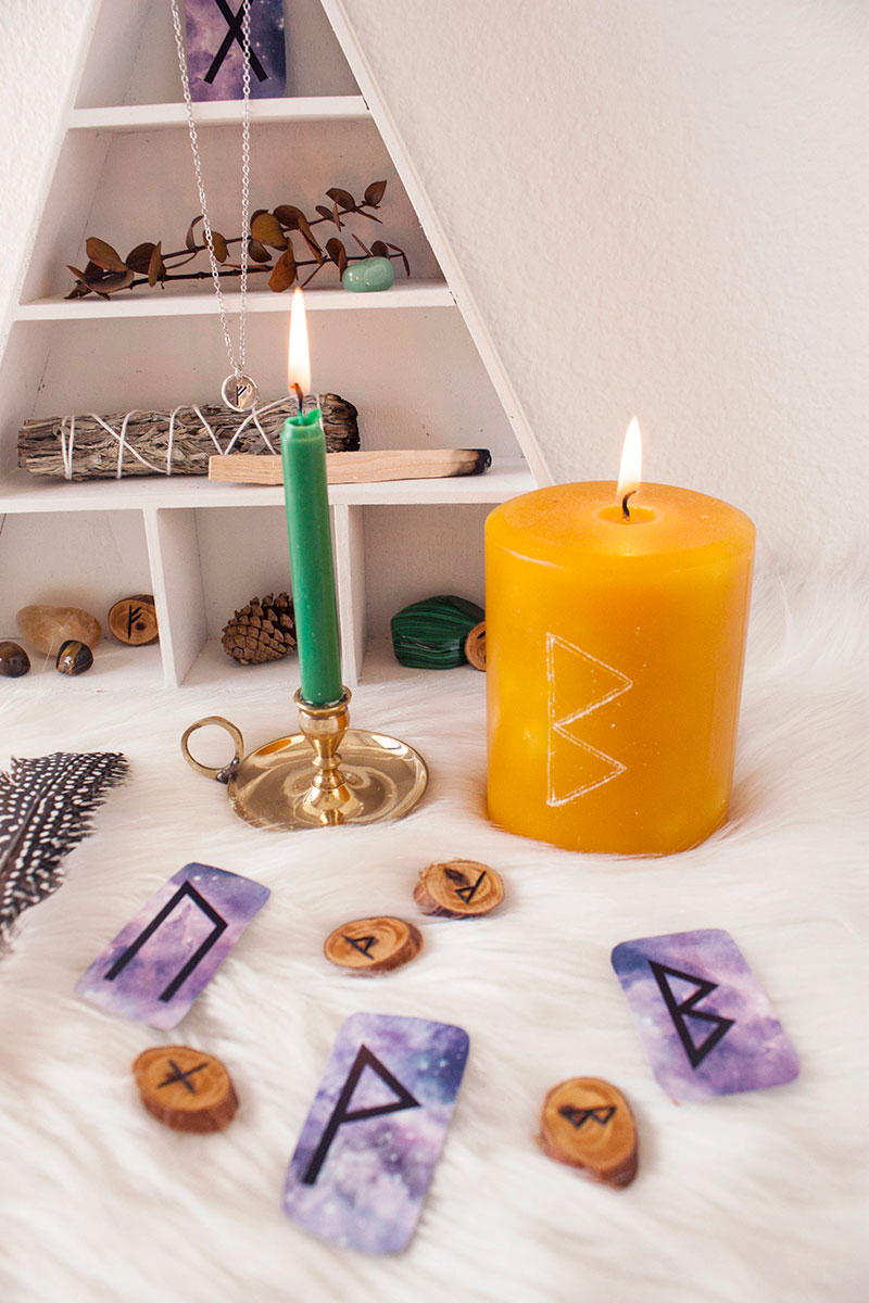 pic5-carving-runes-on-candle-manifesting-with-runes