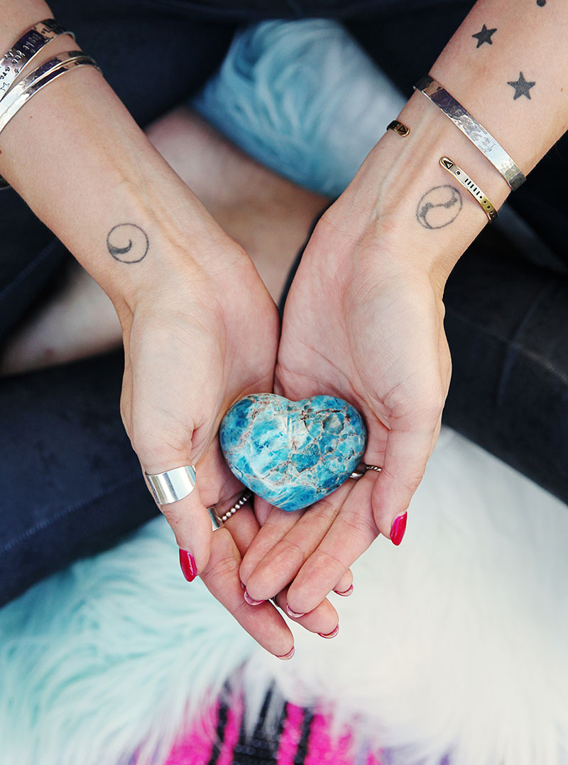 Ways to Connect to Your Divine Feminine Energy (And Why You