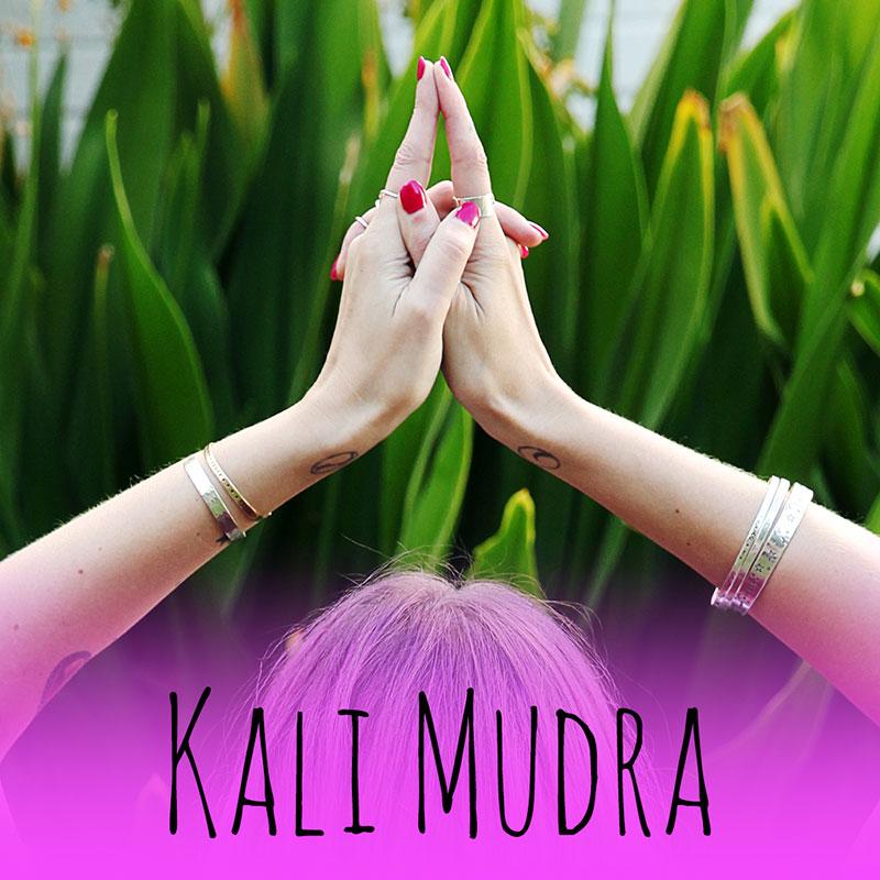 pic9-kali-mudra-divine-feminine